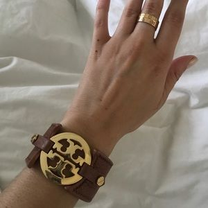 TORY BURCH LOGO DOUBLE SNAP LEATHER CUFF BRACELET